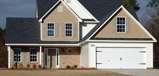 Sprzedaż domu z agentem nieruchomości