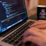 Programowanie bez studiów – czy to możliwe?